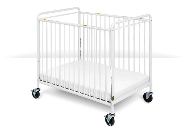 "2032097 Chelsea Clearview Steel Compact Crib with 4"" Casters"